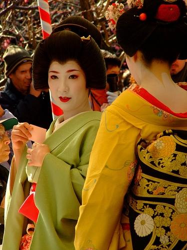 Baikasai 2008_geiko Umeshizu and maiko Ichiteru_by Eric Lee