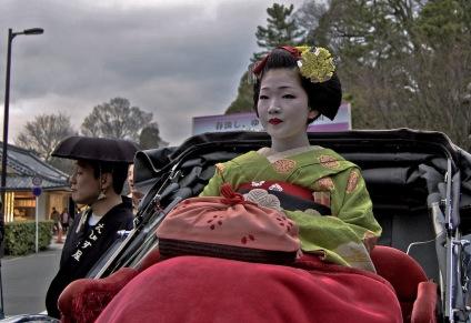 Rickshaw Procession_Naokazu_Dave Lumenta