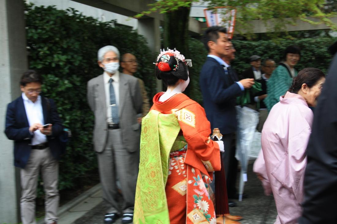 Maiko san all'uscita del Kitano Odori