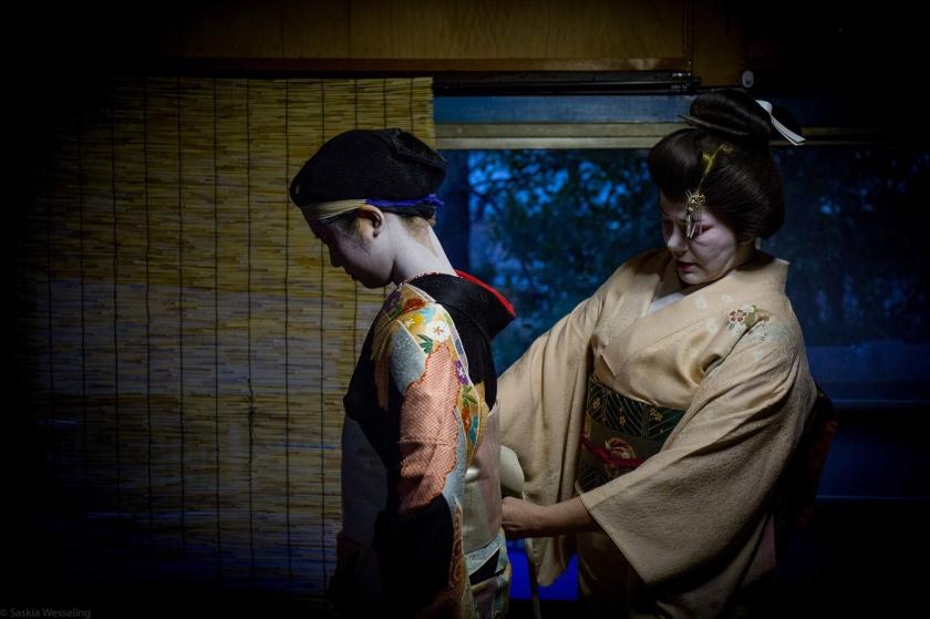 Kitsuke (着付け), la vestizione del kimono