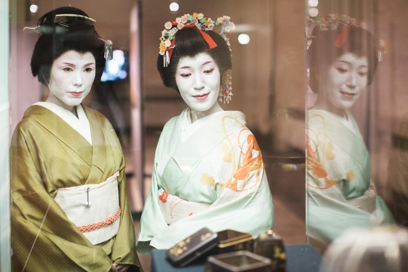 #AGeishaDay | La Geisha Asaka e la Hangyoku Tazusa | Ph Roberto Martino